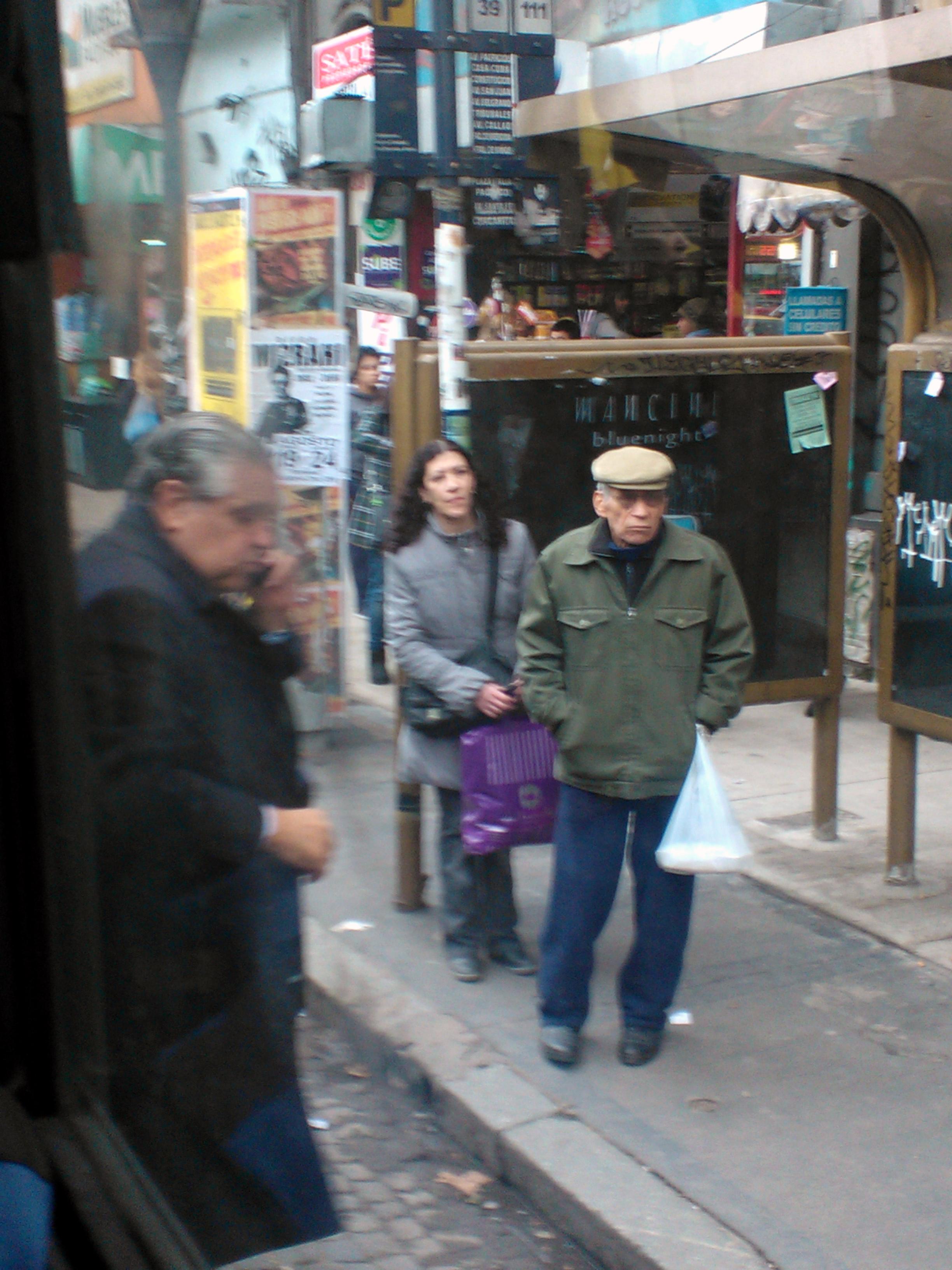 Ricardo López Murphy en un colectivo de Buenos Aires.