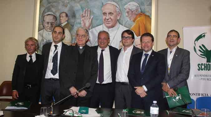 Con apoyo papal Scholas acelera proyectos de tecnología y educación