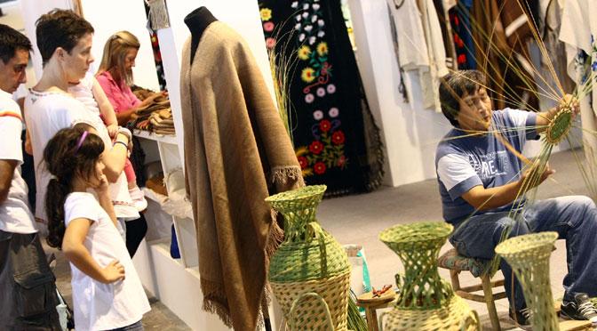 600 artesanos exponen sus trabajos en la feria de artesanías de Córdoba