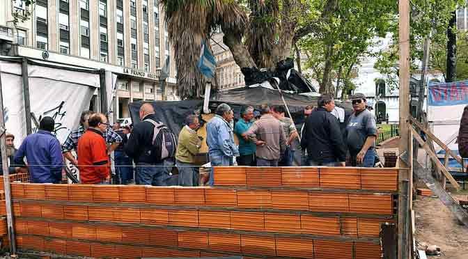Y un día Plaza de Mayo fue Macondo