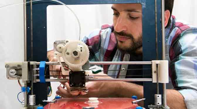 Taller de introducción al proceso de producción en impresión 3D en Espacio Pla