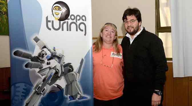 La Copa Turing suma a participantes adultos para competir en robótica y programación