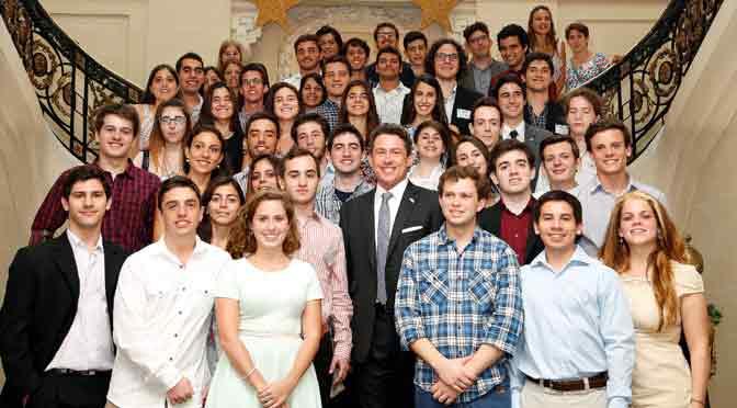 50 universitarios viajan a EEUU becados por «Friends of Fullbright»