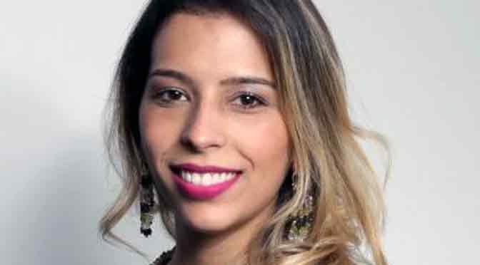 Mujeres y periodistas: Deborah Oliveira