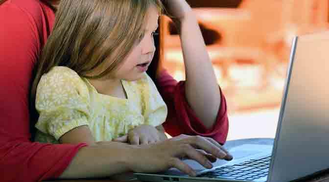 Seminario sobre cómo proteger a los niños mientras navegan en Internet