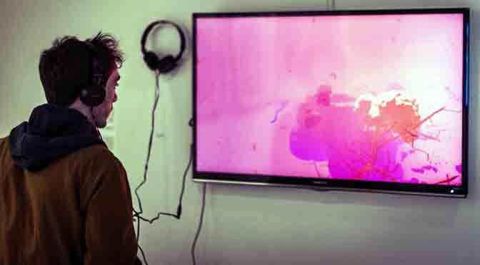 La ficción informática de Mateo Amaral y Azul de Monte llega a Espacio Pla