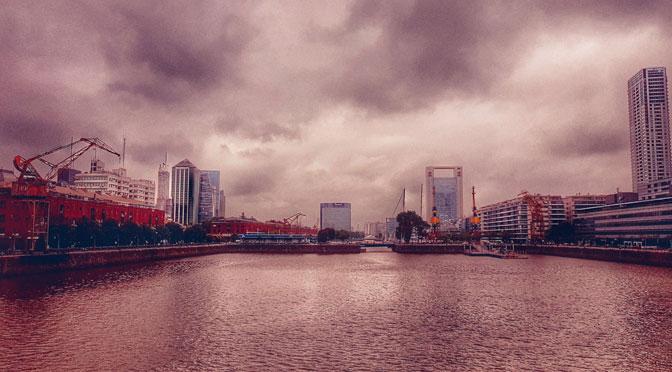 Postales de una tarde nublada en Puerto Madero