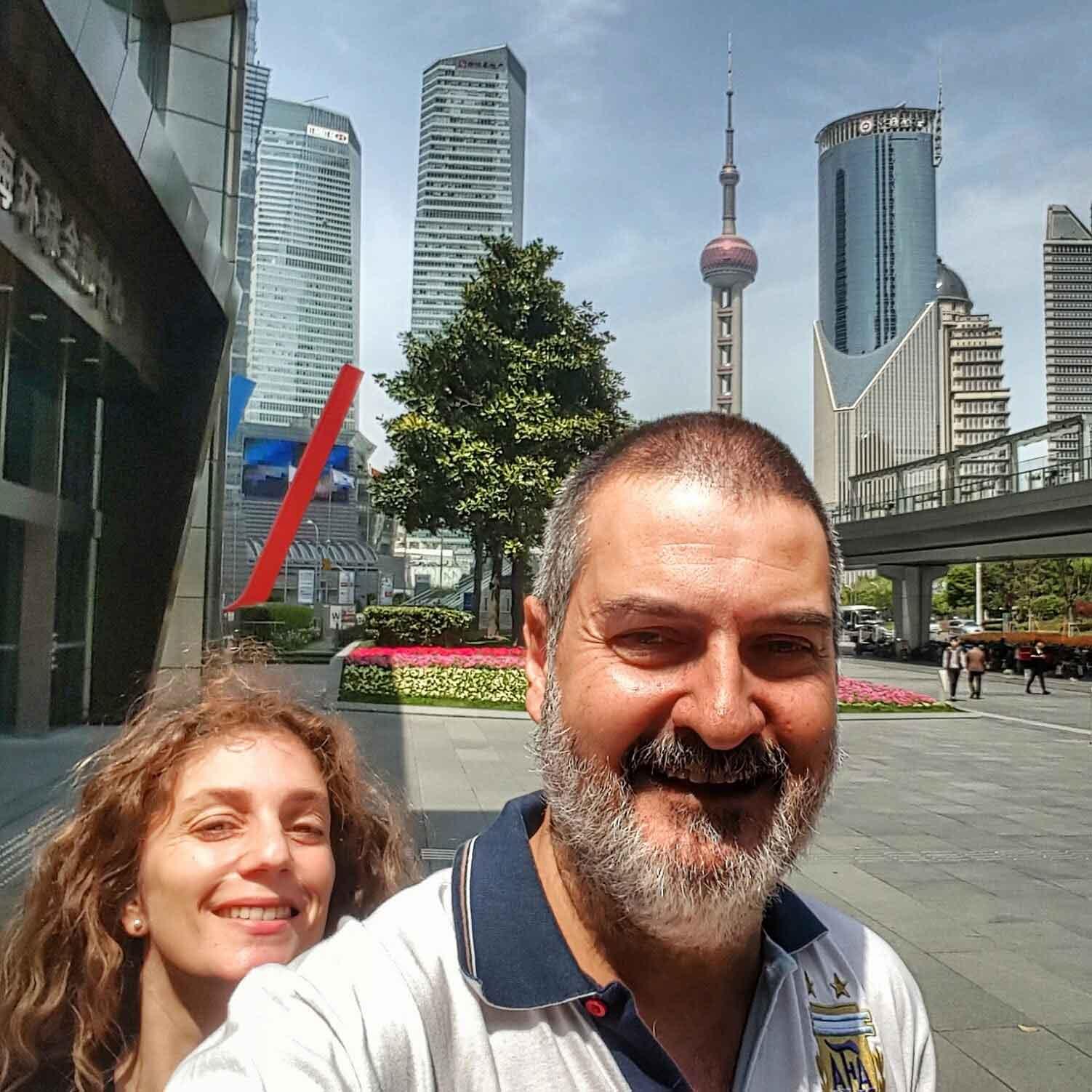 Con Debora Slotnisky. Shanghai, China, abril.
