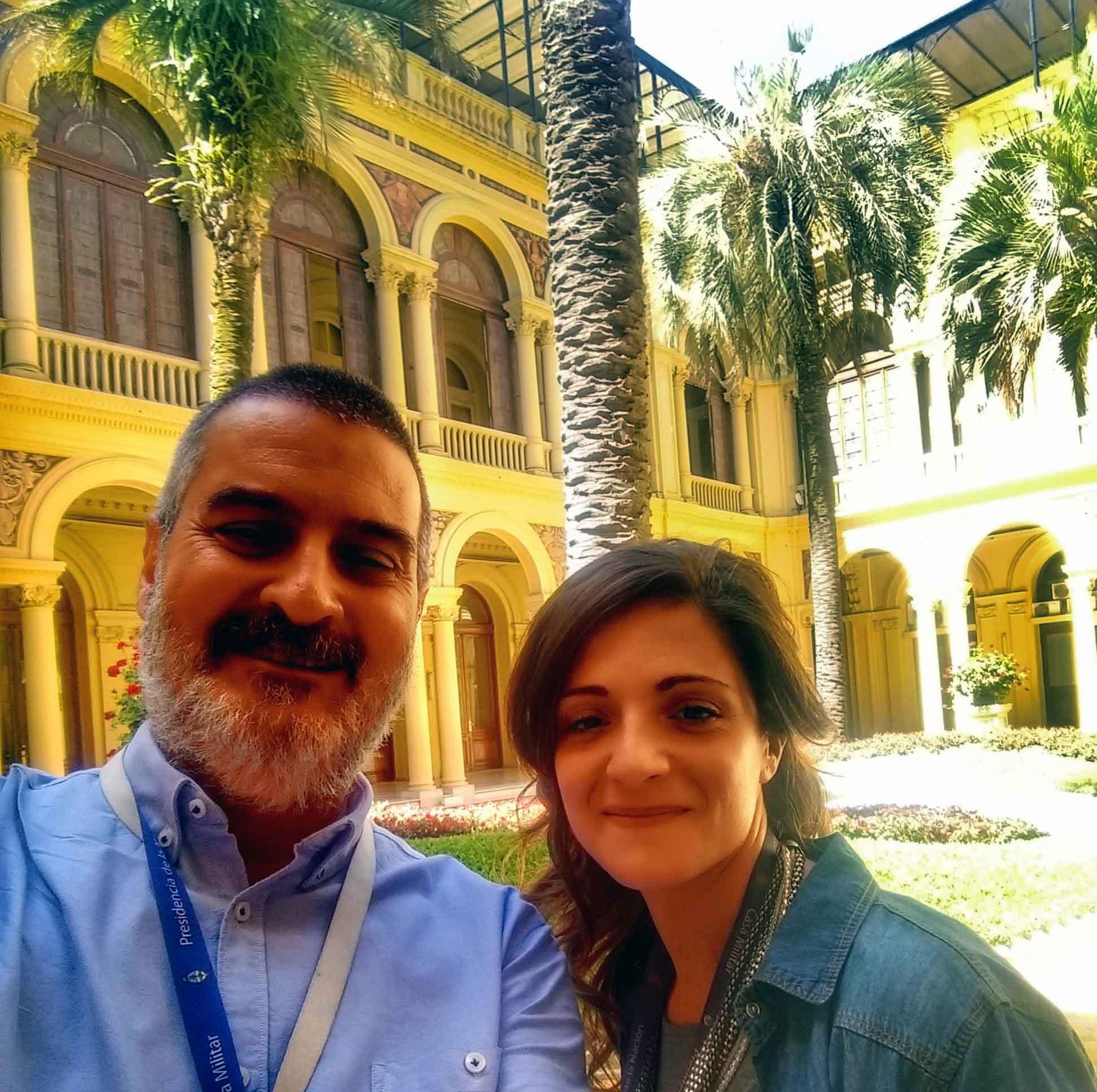 Con Martina Rúa. Patio de las Palmeras, Casa Rosada, Buenos Aires, diciembre.