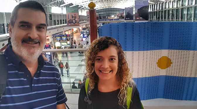 Agustina Dergarabedian cose la historia familiar en Armenia