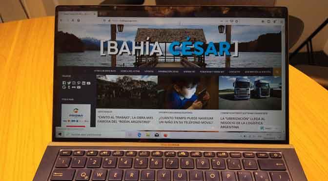 Asus ZenBook 14 UX434F,  portátil ultracompacta y con nuevo ScreenPad