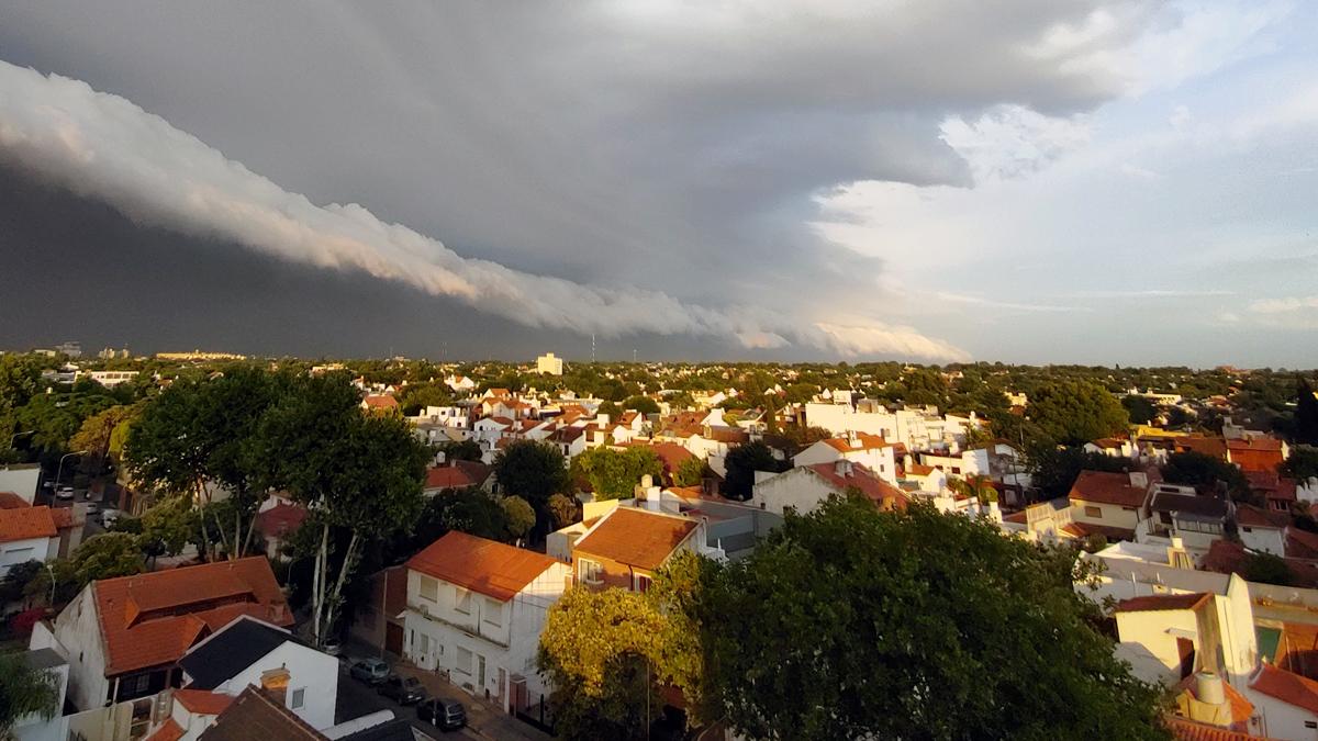 Frente de tormenta en Olivos, Buenos Aires, Argentina