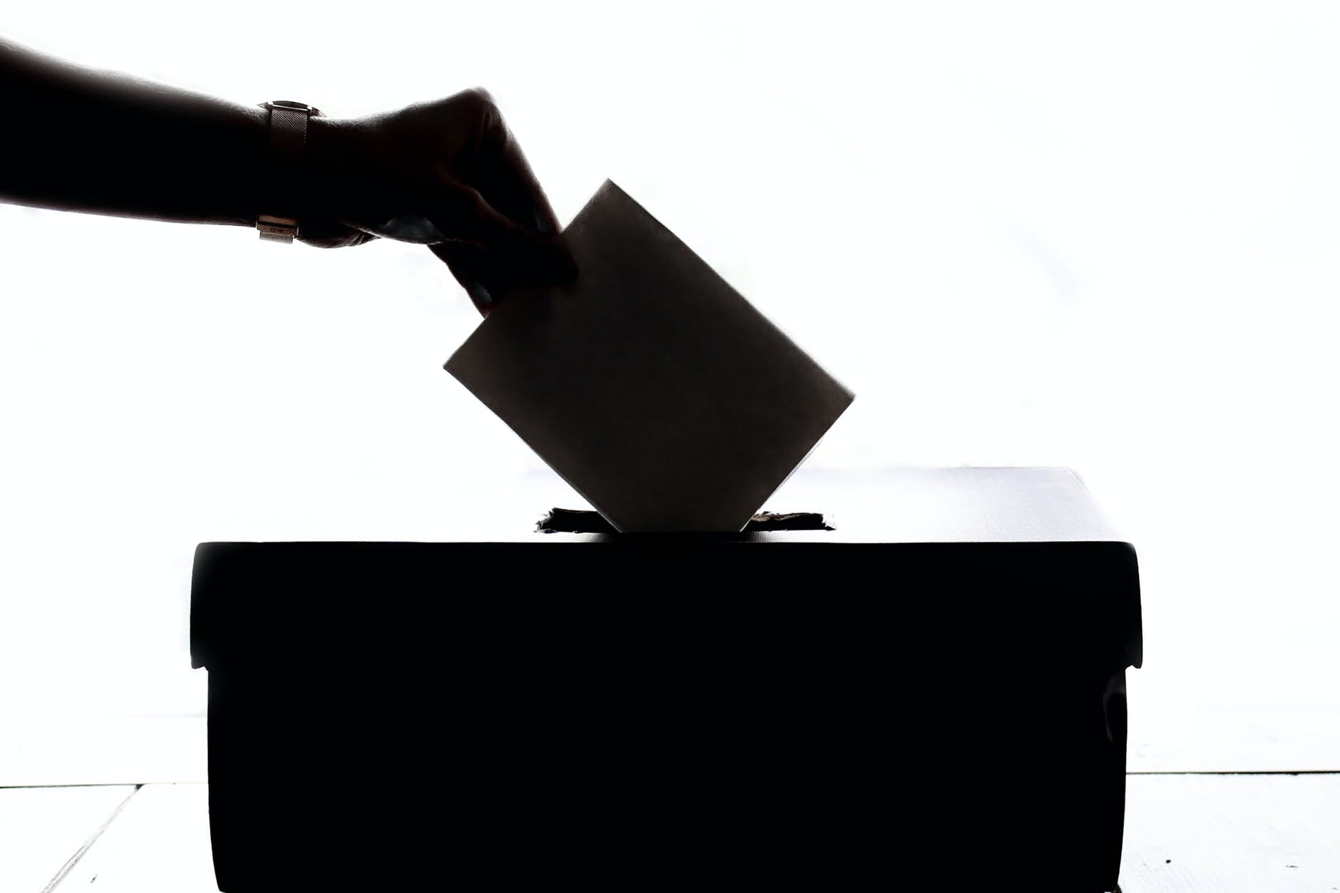 Campañas electorales en Internet: en Buenos Aires piden regularlas