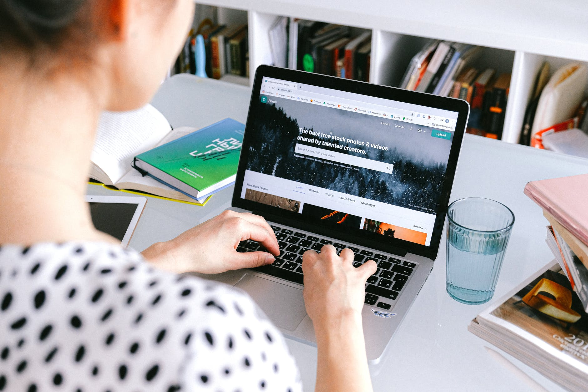 Ventana digital: Eidos y Microsoft enseñan gratis habilidades digitales