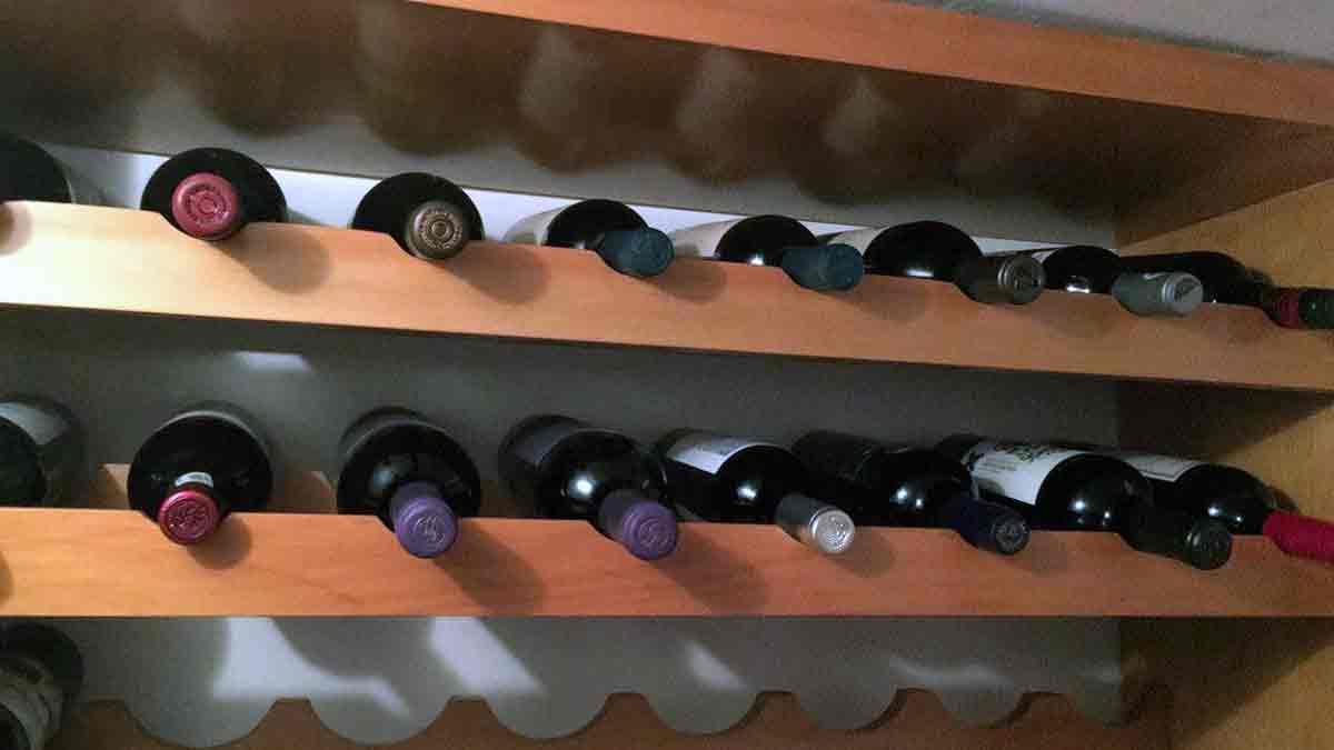 Los 5 vinos tintos que deben estar en una cava personal, según Marisol de la Fuente